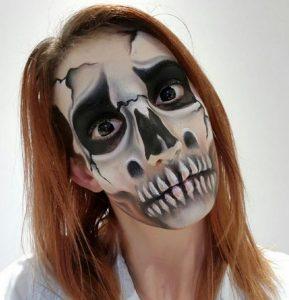 maquillage-artistique-scene-theatre-squelette