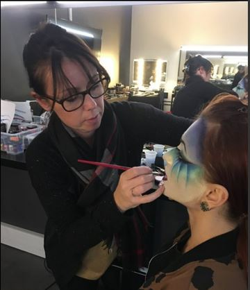 Maquillage en cours