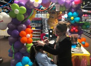 animation-boutique-stand-maquillages-fete-sensation